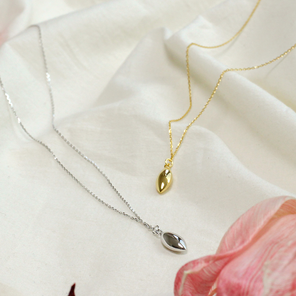 Clarte necklace